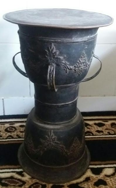 bronze magic drum from alor indonesia.for sale