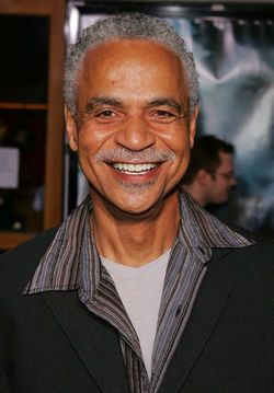 """R.I.P. ~ Ronald E. """"Ron"""" Glass(July 10, 1945 – November 25, 2016) was an Americanactor. He was known for his roles as the literaryDet. Ron Harrisin thetelevisionsitcomBarney Miller(1975–82), and as the spiritual ShepherdDerrial Bookin the short-lived 2002 science fiction seriesFireflyand its sequel filmSerenity."""
