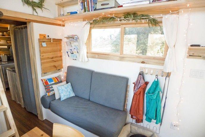 kleine couch winzige Mini-Projekthaus die Größe eines kleinen Schlafzimmer-Designs von Alek Lisefski