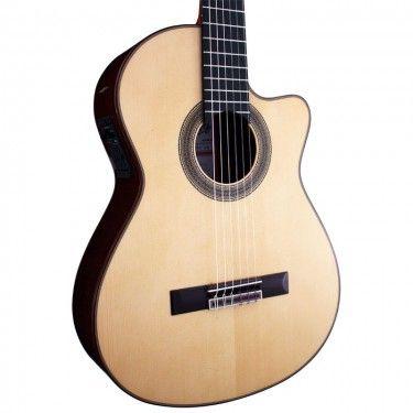 Ramirez 2NCWE Classical Guitar