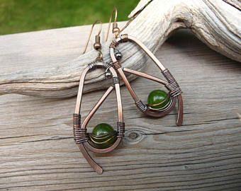 pendientes de Jade, pendientes de la joyería envuelta, cobre, uno de una envoltura de alambre tipo de alambre pendientes, verdes pendientes, joyas de alambre, hecho a mano Etsy