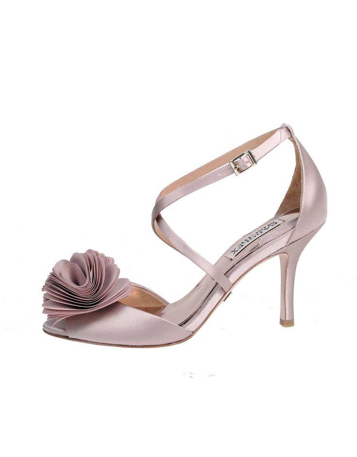 Wedding day inspiration from Kleinfeld Canada: Badgley Mischka shoes, Gaby Blush