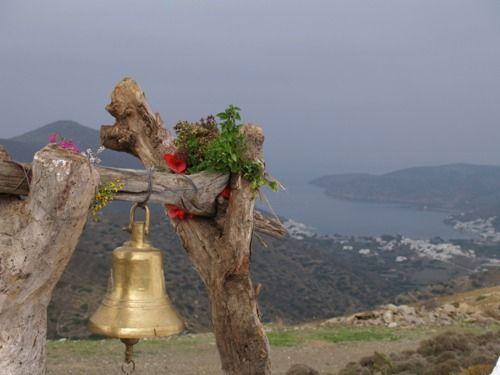 ~ ~ Αμοργος - Amorgos ~ ~  Κι αν μας κυνήγησε ο χρόνος δεν μας φτάνει ούτε μας άγγιξε ποτέ του ο καιρός άφησα πίσω μου το απάνεμο λιμάνι και όπου να'ναι θα φανεί η Αμοργός.   Νίκος Ζουρνής photo by greecephotos.gr