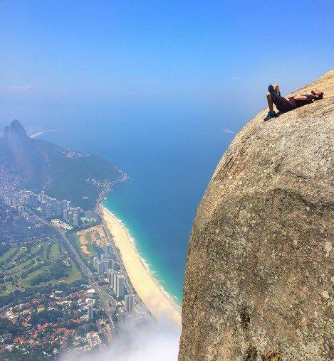 """Niet voor mensen met hoogtevrees: """"Dit zijn de meest gevaarl... - Het Nieuwsblad: http://www.nieuwsblad.be/cnt/dmf20160418_02243392"""