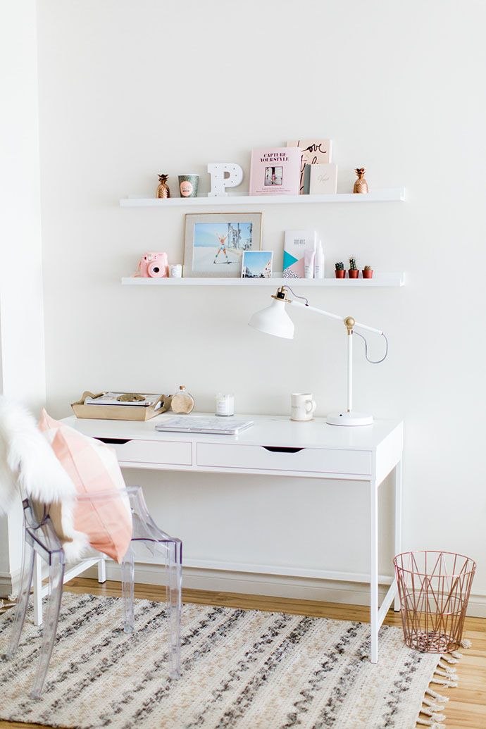 Charming Desk Ideas Part - 8: A Pretty, Bright And Light Home In Nova Scotia