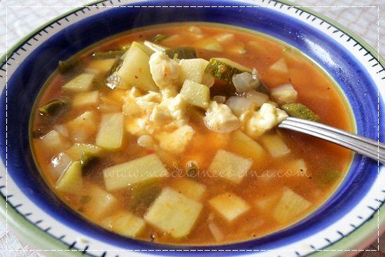 Sopa de chayote, calabacita y poblano #soup