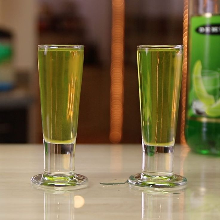 ALLIGATOR PISS SHOT 1/3 oz. (10ml) Melon Liqueur 1/3 oz. (10ml) Amaretto 1/3 oz. (10ml) Peach Schnapps 1/3 oz. (10ml) Southern Comfort Splash Sweet & Sour Mix PREPARATION 1. In a shaking glass with ice, combine melon liqueur, Amaretto, peach schnapps, southern comfort, and sweet & sour. Shake well. 2. Strain mix into a shot glass. DRINK RESPONSIBLY!