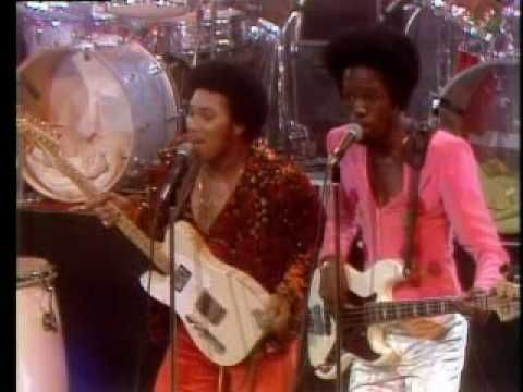 Earth, Wind & Fire Shining Star 1975 Midnight Special