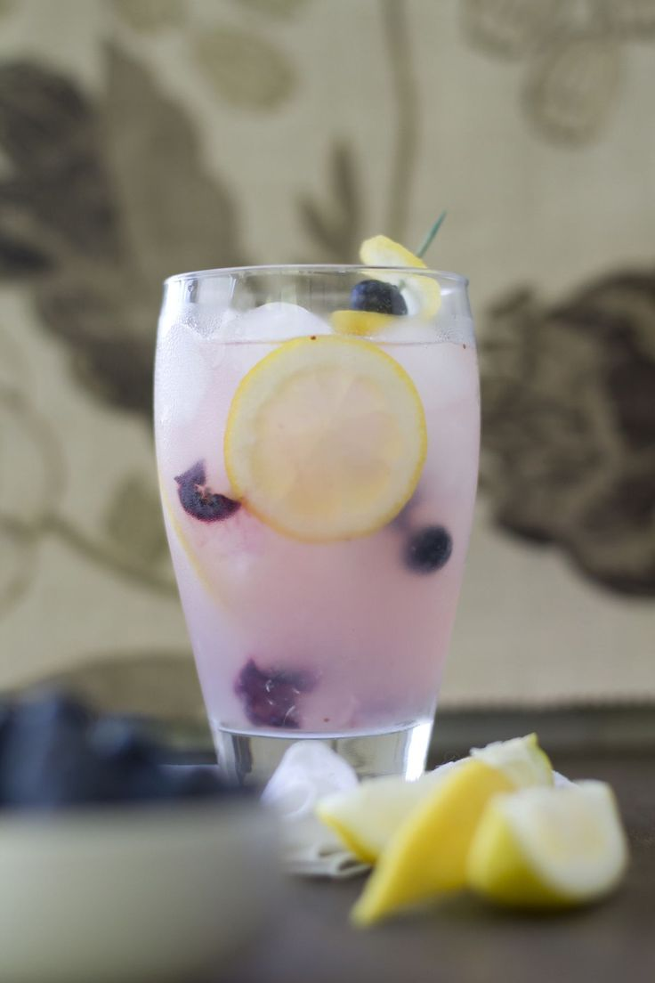 {blueberry lemonade} crisp + refreshing! add a splash of citron vodka for a boozy brunch option.