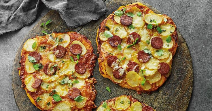 Sprøde kartofler på pizza - det bliver næsten ikke bedre!