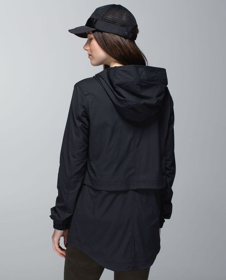 LULULEMON Yogi Anorak Hooded Jacket Water-Resistant Black Size 4 EUC #Lululemon #CoatsJackets