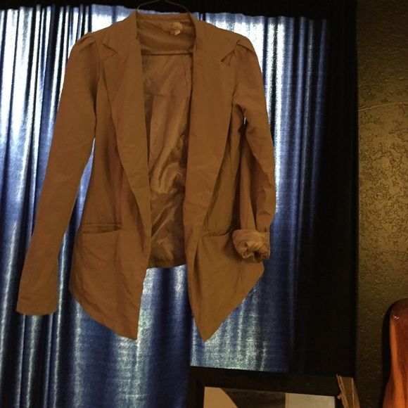 Khaki blazer Nice khaki blazer. Silky inside with functional pockets. Jackets & Coats Blazers