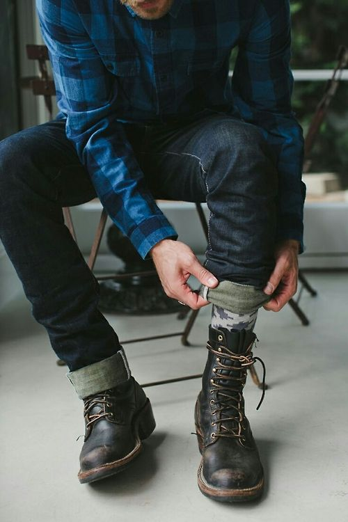 Boots and blue jeans.