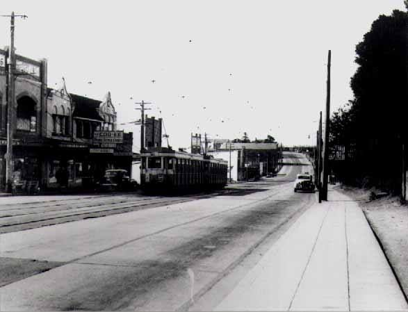 Tram Service,Victoria Road, Gladesville, NSW (ve) https://www.facebook.com/photo.php?fbid=10152899437212933