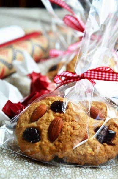 Zabpelyhes cookie mandulával és aszalt meggyel (22 db)