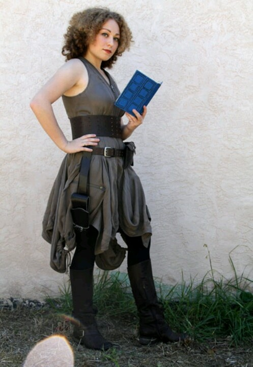 River Song Costume Cosplay - Doctor Who It would be cool if someone dressed up as Clara!