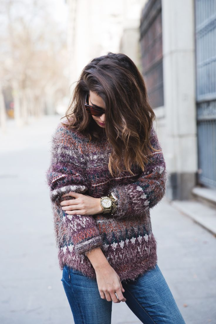 print sweater + subtle ombre hair.