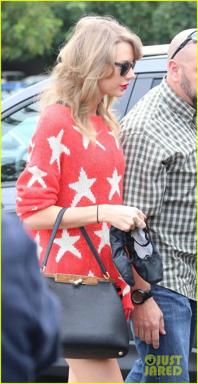 Taylor Swift: Grammy Awards 2014 This Sunday!