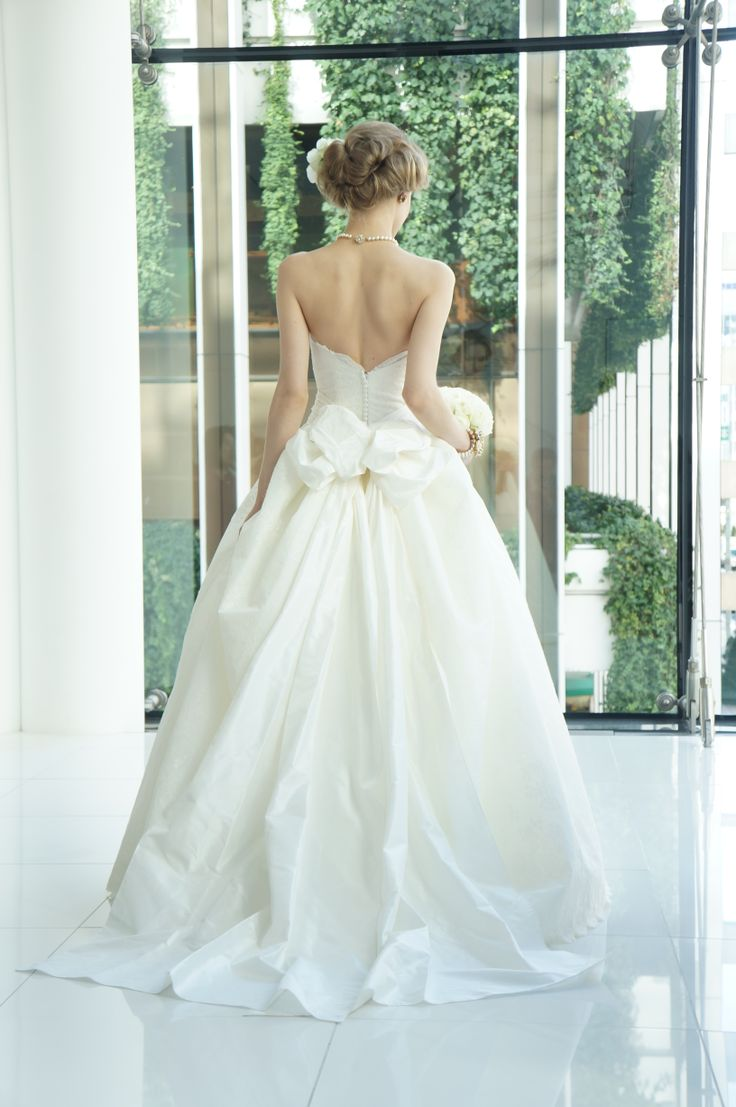#press show #Carolina Herrera #Audrina #wedding #weddingdress#NOVARESE #キャロリーナ・ヘレラ #ウエディング #ウエディングドレス #ノバレーゼ #プレスショー