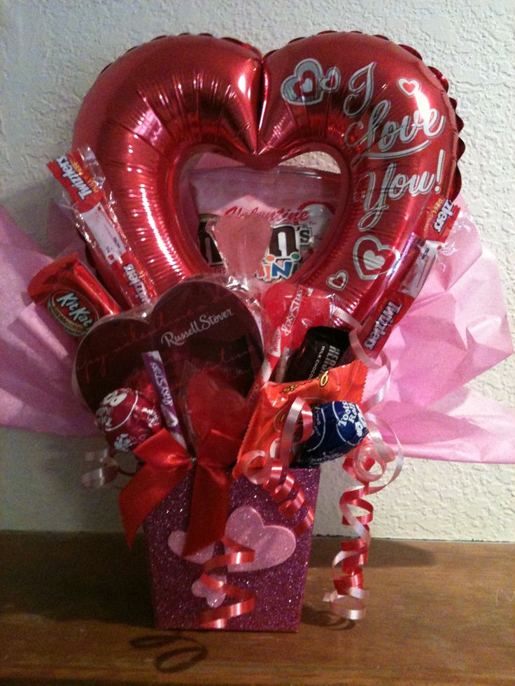 75 best valentine 39 s day images on pinterest balloon for Valentine candy crafts ideas