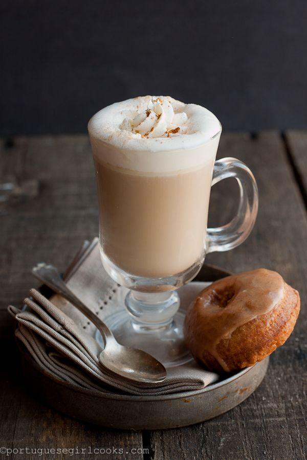 Homemade pumpkin spice latte by www.portuguesegirlcooks.com