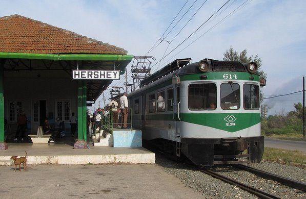 La estación de tren en Cuba se llama la estación de tren de Hershey. Se encuentra en Matanzas, Cuba.