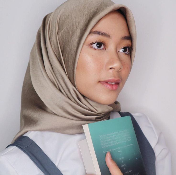 """1,157 Likes, 2 Comments - Arsya Nafisa (@arsyanaf21) on Instagram: """"Beauty is not in the face; Beauty is a light in the heart  This makeup look inspired by Belle from…"""""""