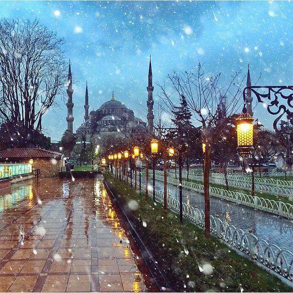 Istanbul, Turkey | Photo by sennarelax2