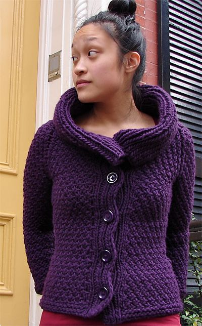 Jacqueline cardigan : Knitty Winter 2011
