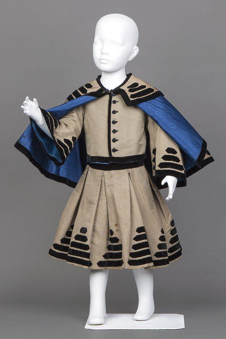 Детский костюм. Шёлк, бархат. Ок. 1860 г. Goldstein Museum of Design.