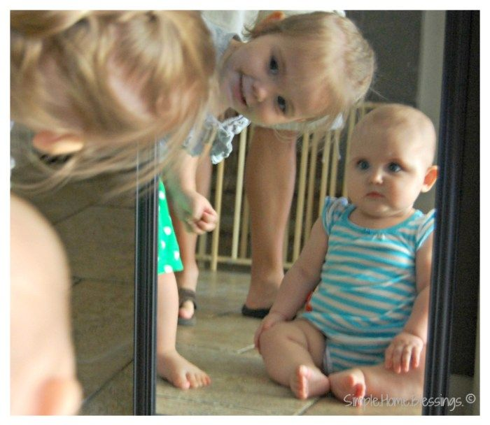 mirror time matters - simple ideas for baby play in the mirror