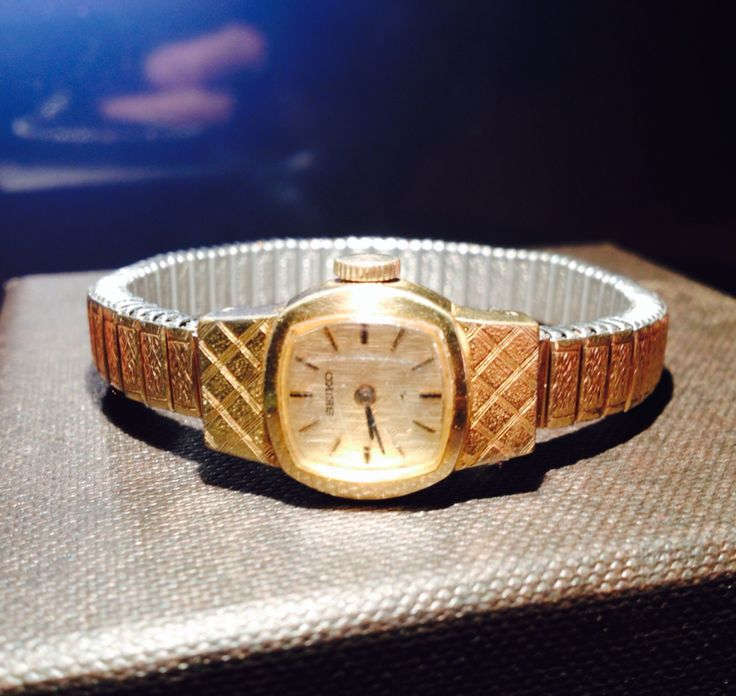 Vintage Sekio watch, great vintage price for this researched great American Classic time piece!