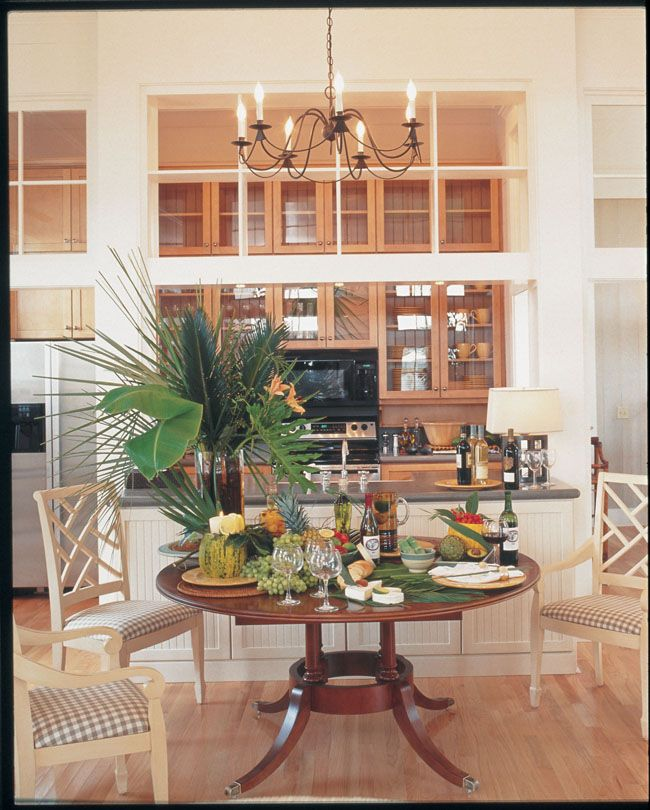 The Clean Lines Of Huntington In Maple Ginger With Sable Glaze Emphasize Glass Doors And Kraftmaid CabinetsTransom