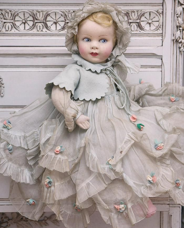 "20"" Very beautiful Antique French Felt Raynal Character Baby doll in original dress"