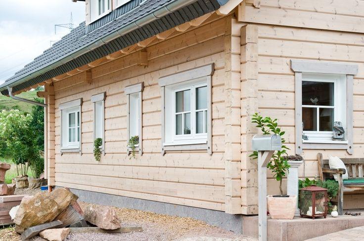 Honka Einfamilienhaus Modell Peak Seitenfassade