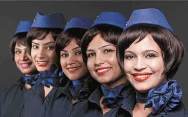 Iberia Airlines Форма стюардесс испанской авиакомпании претерпела значительные изменения. Над разработкой наряда небесных ласточек для Iberia Airlines поработал знаменитый Адольфо Домингес (Adolfo Dominguez).  Никогда ещё испанские стюардессы не выглядели столь красивыми и модными, как сейчас. Их униформа с уклоном в роскошное ретро выгодно подчеркивает высокий класс главного авиаперевозчика страны.
