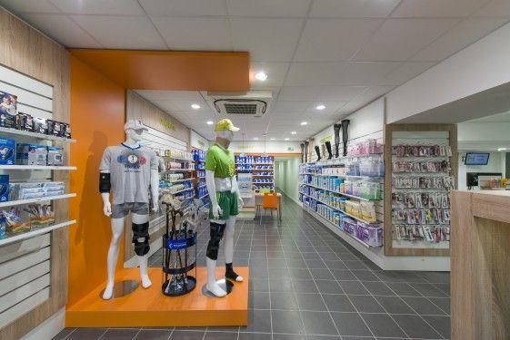 Les 25 meilleures id es concernant agencement pharmacie for Agencement pharmacie meuble