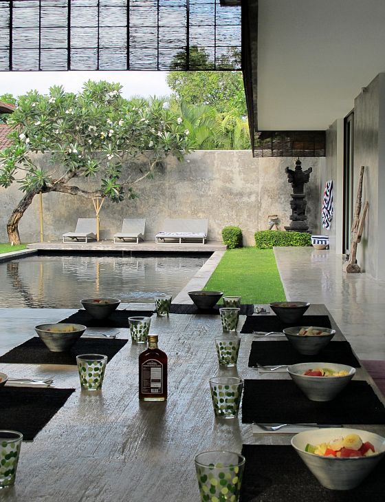Breakfast is served at Villa H2O Bali, Seminyak | Tips for a Bali girls getaway