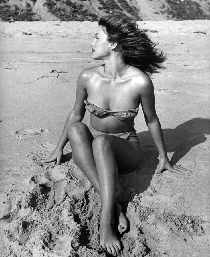 Vintage Pinup Girl Wearing Bathing Suit At The Ocean Stock: 101 Best Images About LEGS On Pinterest