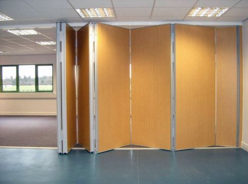 Installations movable walls sliding folding partition for Sliding partition walls for home