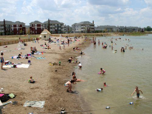 http://www.tripbuzz.com/saxony-lake-beach-fishers-in