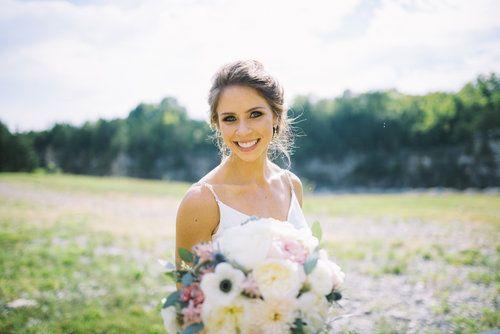 Planner: Angela Proffitt Venue: Graystone Quarry, Nashville Photographer: Details Nashville