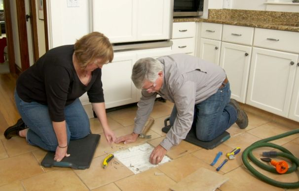 How To Replace A Cracked Floor Tile Kitchen Flooring Kitchen Floor Tile Tile Floor Diy