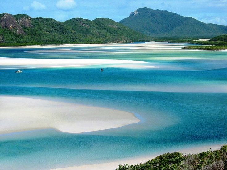 One Of The Best Place To Visit In Australia Whitehaven Beach Which Is Located Queensland It Stretches 7 Km Along Whitsunday Island