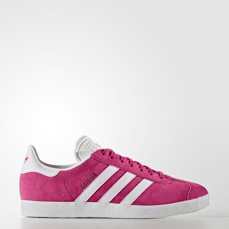 Symbol prostoty od ponad 30 lat. Ta wersja butów Gazelle oddaje hołd popularnemu modelowi z 1991 roku, wykorzystując te same materiały, kolory, fakturę i proporcje. Cholewka ze skóry ozdobiona jest kontrastowymi 3 paskami i paskiem na pięcie, zapożyczonymi z modelu z wczesnych lat 90.