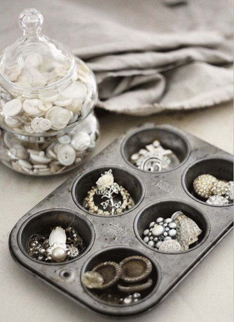 A muffin tin tray is a practical and affordable way to store jewellery pieces. Each muffin hole can hold a separate item of jewellery, making everything tidy and easy to find. Trays can be stacked on top of each other to save space and increase storage. This is an ideal way to store earrings, charms and rings.