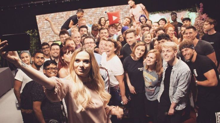 Image caption YouTube magazine TenEightyUK took photos of the evening   YouTubers have raised thousands of pounds for people affected by the Grenfell Tower disaster. Make-up vlogger Em Ford organised the two-hour live stream on Wednesday night to collect funds for the Kensington and Chelsea... - #Families, #Famous, #Grenfell, #Raise, #Thousands, #Tower, #Victims, #World_News, #YouTubers