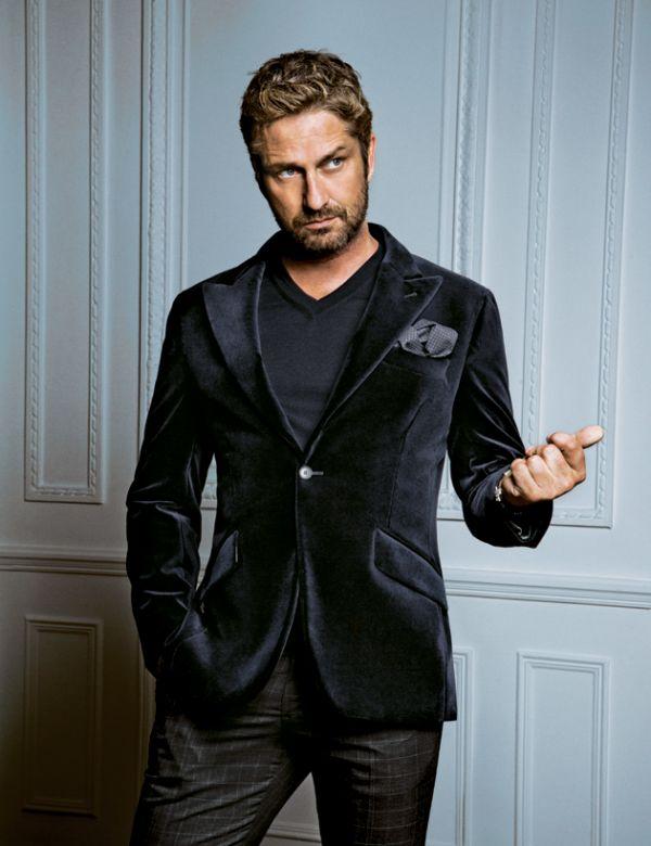la moda uomo: GERARD BUTLER ELEGANTISSIMO IN HUGO BOSS
