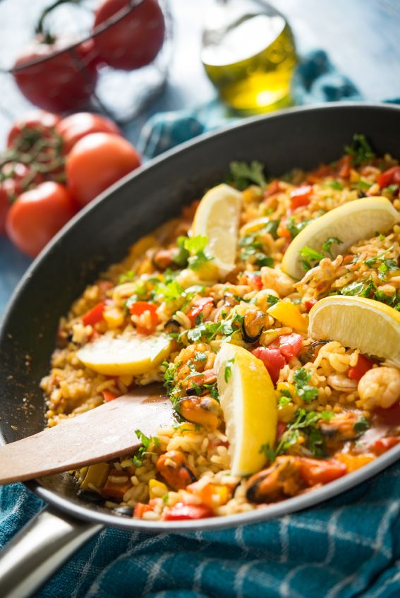 Chorizo, chicken and olive paella  Author: Vanessa Recipe type: Main Cuisine: Spanish Save Print  This is a family favourite and also a demo favourite – there is no one I know w…