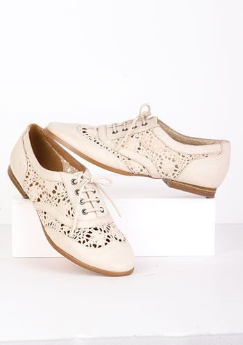 holy moly.  Lace shoes.  This hadn't occurred to me before.  Not like this, though.. More of a pump...with a kitten heel...